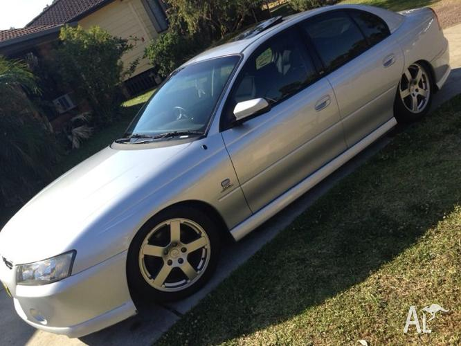 Vz sv6 BAGGED SUNROOF Holden commodore vy VE 5 speed Calais auto