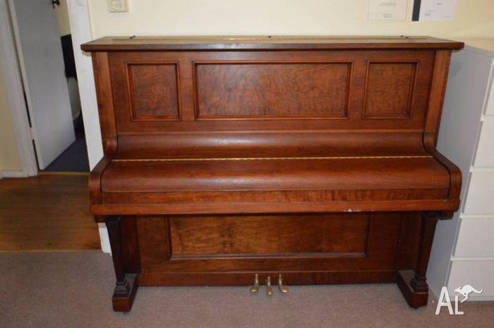 Waldorf upright piano