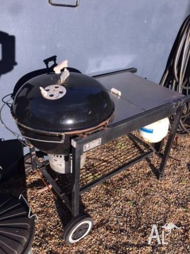 Weber Gas Kettle BBQ -Free
