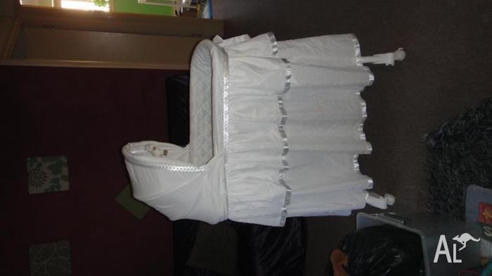 white basinet