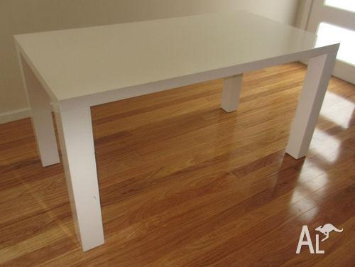 White vogue gloss dining table from Fantastic Furniture. White vogue gloss dining table from Fantastic Furniture for Sale