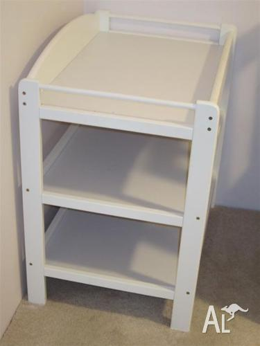 White wooden baby change table, 3 tier