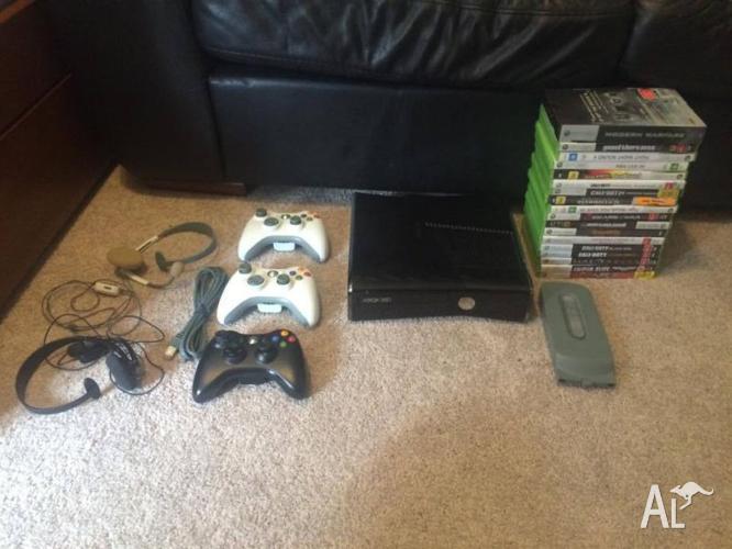 Xbox 360 Slim 250Gb + 18 games + 3 controllers +