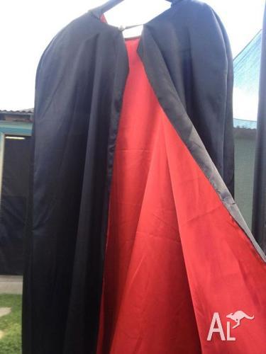 XXL Mens Halloween Hooded Vampire/Volturi Cape in