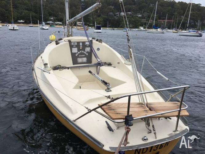 Yacht Endeavour 24 foot with mooring at Pittwater and