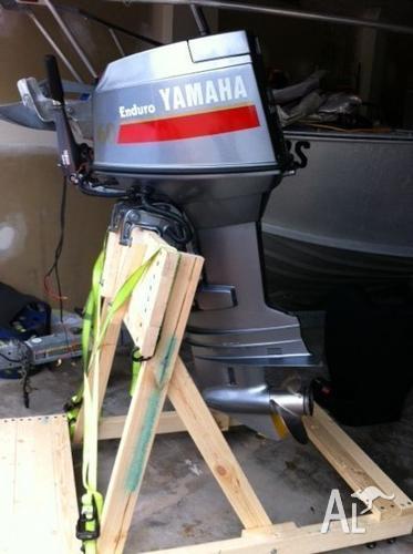Yamaha 60 hp enduro outboard tiller steer pull start for Yamaha enduro 40 hp outboard