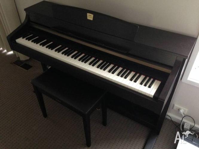 Yamaha CLP-340 Digital Piano