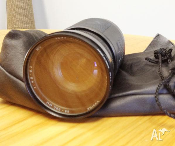 Zoom Lens Cosina 28-300 mm f/4 - 6.3