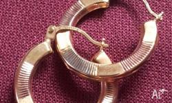 10 solid gold earring tri color gold hoop earring
