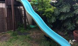 Top quality slide in excellent condition. It's a pool