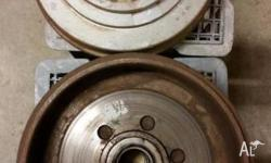 2 x 15inch hub and brake drums 6 stud pattern, removed