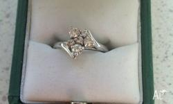 18ct white gold diamond cluster ring 3 large and 3