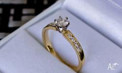 18ct Yellow Gold, Diamond Engagement Ring 1 x Canadian