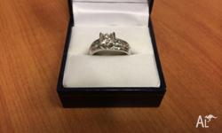14ct white gold flat band engagement ring. centre