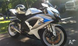 2008 gsxr 600 k8 perl white in good condition 29,012km,