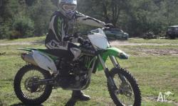 Here i have a 2010 model kxf 450, brought last year,