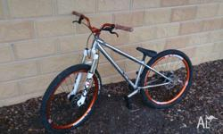 I'm selling my 2013 Norco two50 dirt jumper as I'm