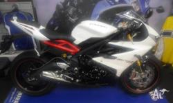 2013 Triumph daytona 675-r - An 'As New' example of