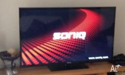 "Soniq smart TV, 55"", 2 months old. Chargeable remote"