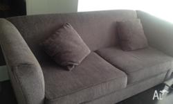 These 2 sofas are in very good condtion, from Ridge