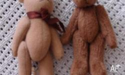 2 small teddy bears Pick up or can be posted for extra