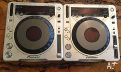 2 x Pioneer CDJ 800 mk II DJ decks with power cords and