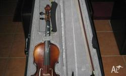 New new 3/4 size violin comes with bow, case, shoulder