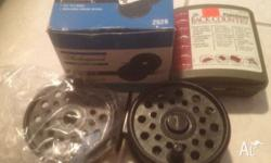 "Shakespeare professional 3.5"" fly reel includes spare"
