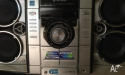 Barely used 3 DISC SONY Hi Fi System with MP3/AUDIO