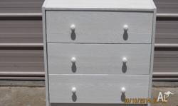 THIS 3 DRAWER PINE WARDROBE INSERT IS IN EXCELLENT