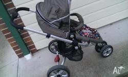 3 wheel pram in very good condition all enquiries