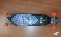 Hi, I'm selling a Landyachtz Evo in excellent riding