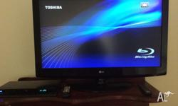 42 inch LG TV AND TOSHIBA BLU RAY PLAYER BOTH IN VERY