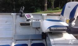 40 hp 4 stroke Yamaha 2011, Lowrance Elite 5 color