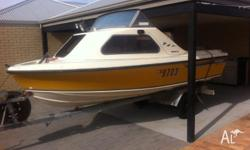 4.6m voyager half cabin with 1992 oil injected 2stroke