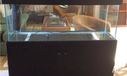 4 feet fish tank in good condition, comes with pump,