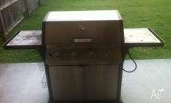 4 gas burner bbq for sale. Gas bottle is full. A little