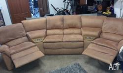 4 seater lounge with 2 recliners, some general wear and