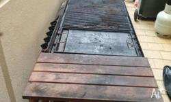 5 burner hotplate and grill gas BBQ with shelves. comes