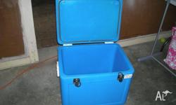 ICE COOL 70lt chest cooler bought it new and never used