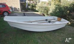8FT Fiberglass dinghy in very good condition with