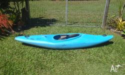 9 ft kayak, missing bung, needs 2 nuts for frame