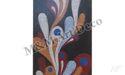 This piece measures 140x70cm and consists of red,
