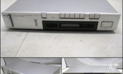 Selling a working AKAI AT-S210 Digital FM/AM Stereo