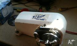 Anchor Winch Muir Compact 700 comes with all