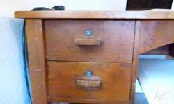 lovely desk in great condition - bought it from 'dug up