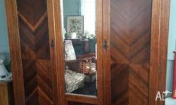 beautiful old wardrobe. Good condition. Has a shelf on