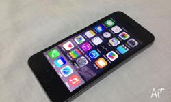 Selling an iPhone 5s in space grey color with 16gb