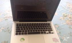 Apple Mac Book no battery, use for spare parts. Glass