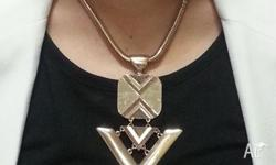 Arrow Fashion Statement Jewellery Necklace Condition: